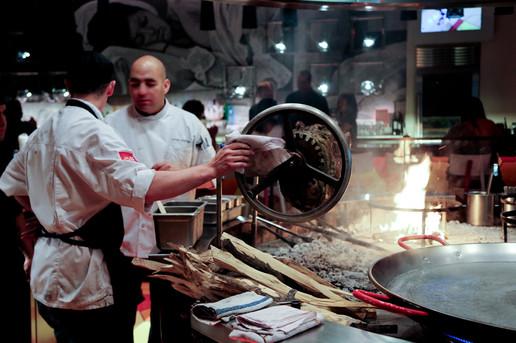 steakhouse-in-las-vegas-cooking.jpg