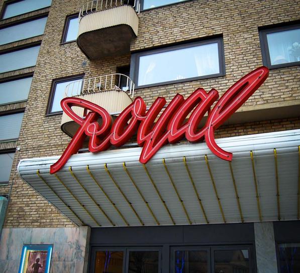 sign royal.jpg