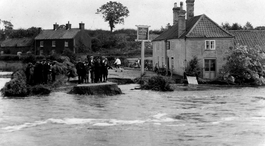 The Anchor of Hope at Lammas during the 1912 flood