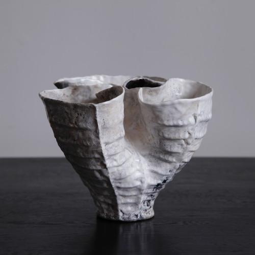 Young-Mi-Vase-Small-3.jpg