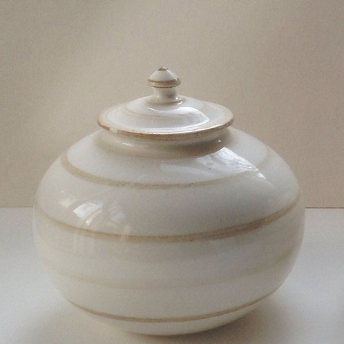 Porcelain storage jar with lid
