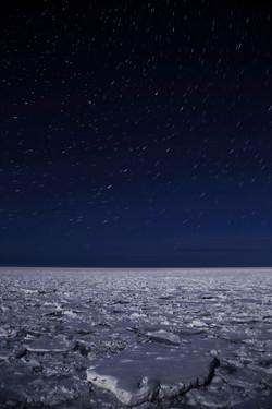 2015-0125 流氷に昇る北斗七星-24f-s