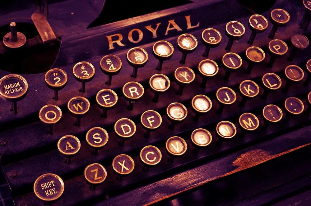 Machine à écrire Typographique Designwebsite
