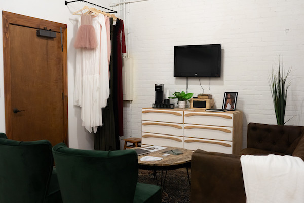 leyre photography sitting area