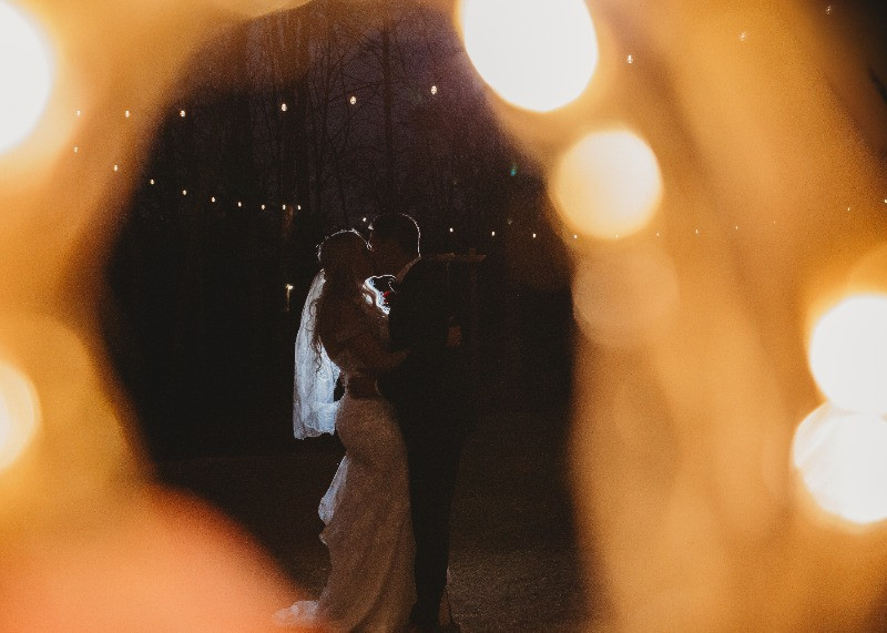 newly weds first dance