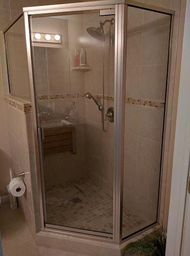 Attirant Custom Corner Shower