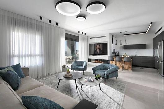 תאורה לסלון צמוד תקרה.jpg