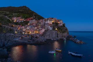 Manarolo at night - Cinque Terre, IT