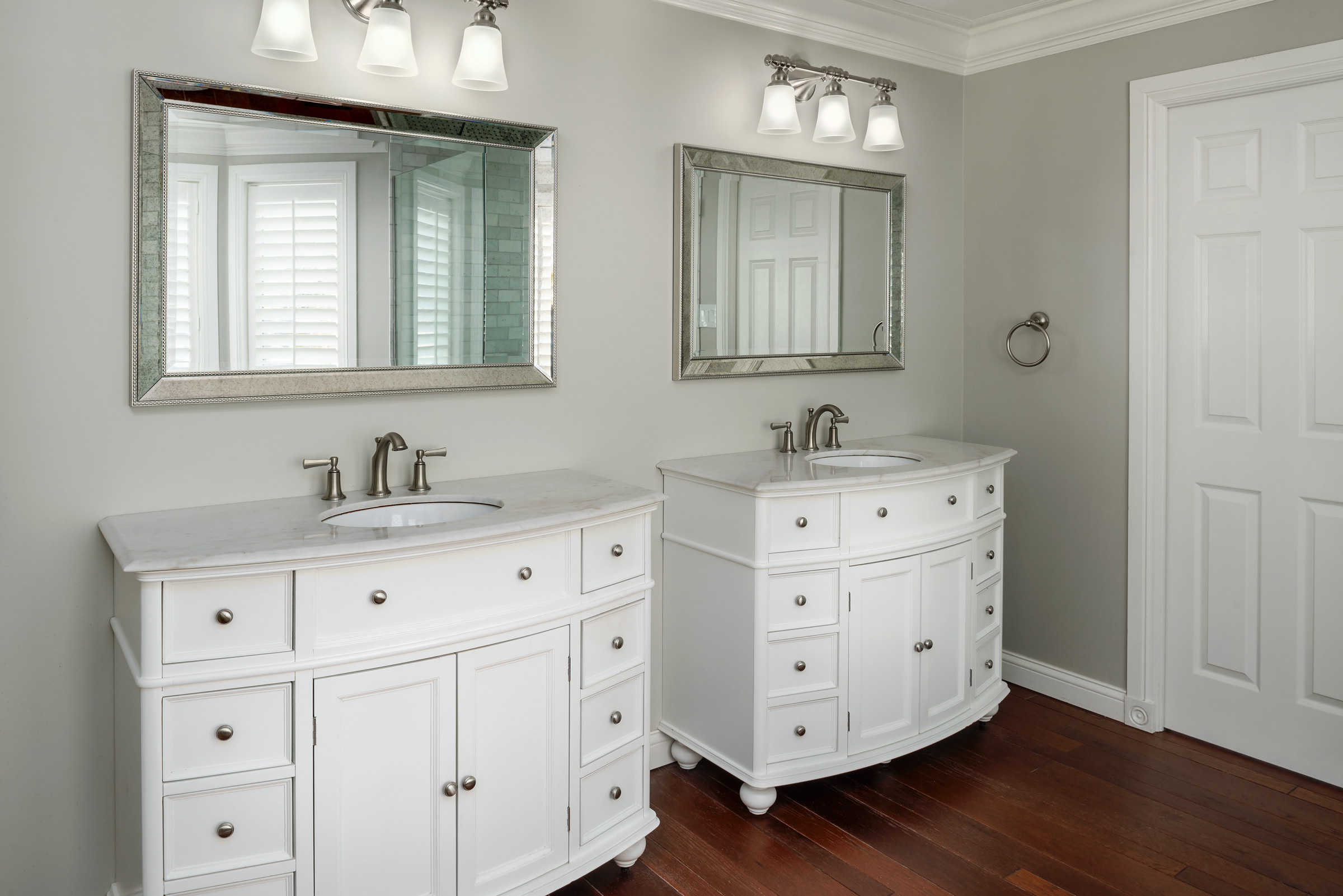 His and Hers Bathroom Vanities with Brus