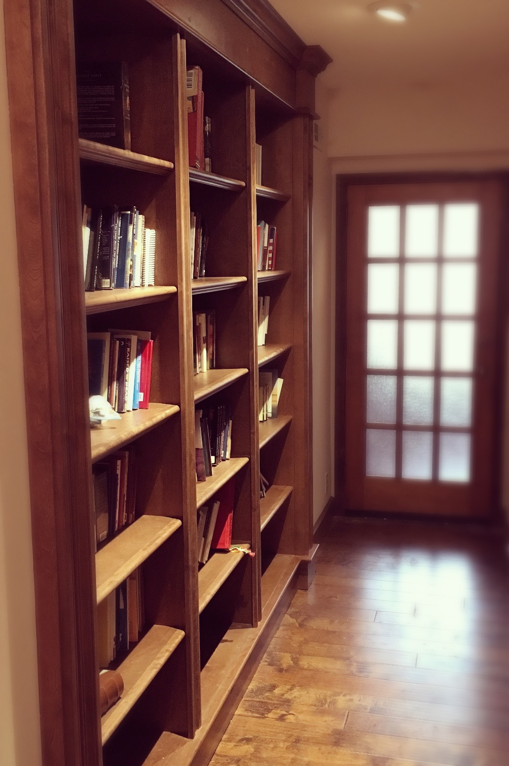 Custom Bookshelves and Millwork