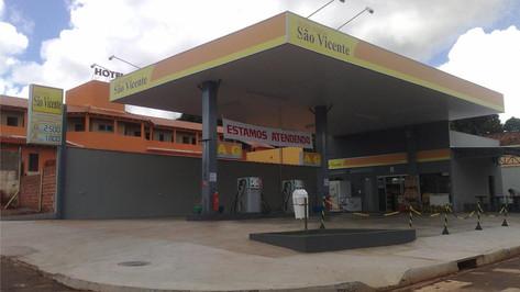 imagem de placas de sinalização de posto de gasolina São Luís MA