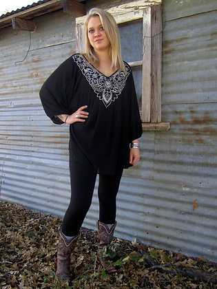 Embroidery Neck Top, Curvy