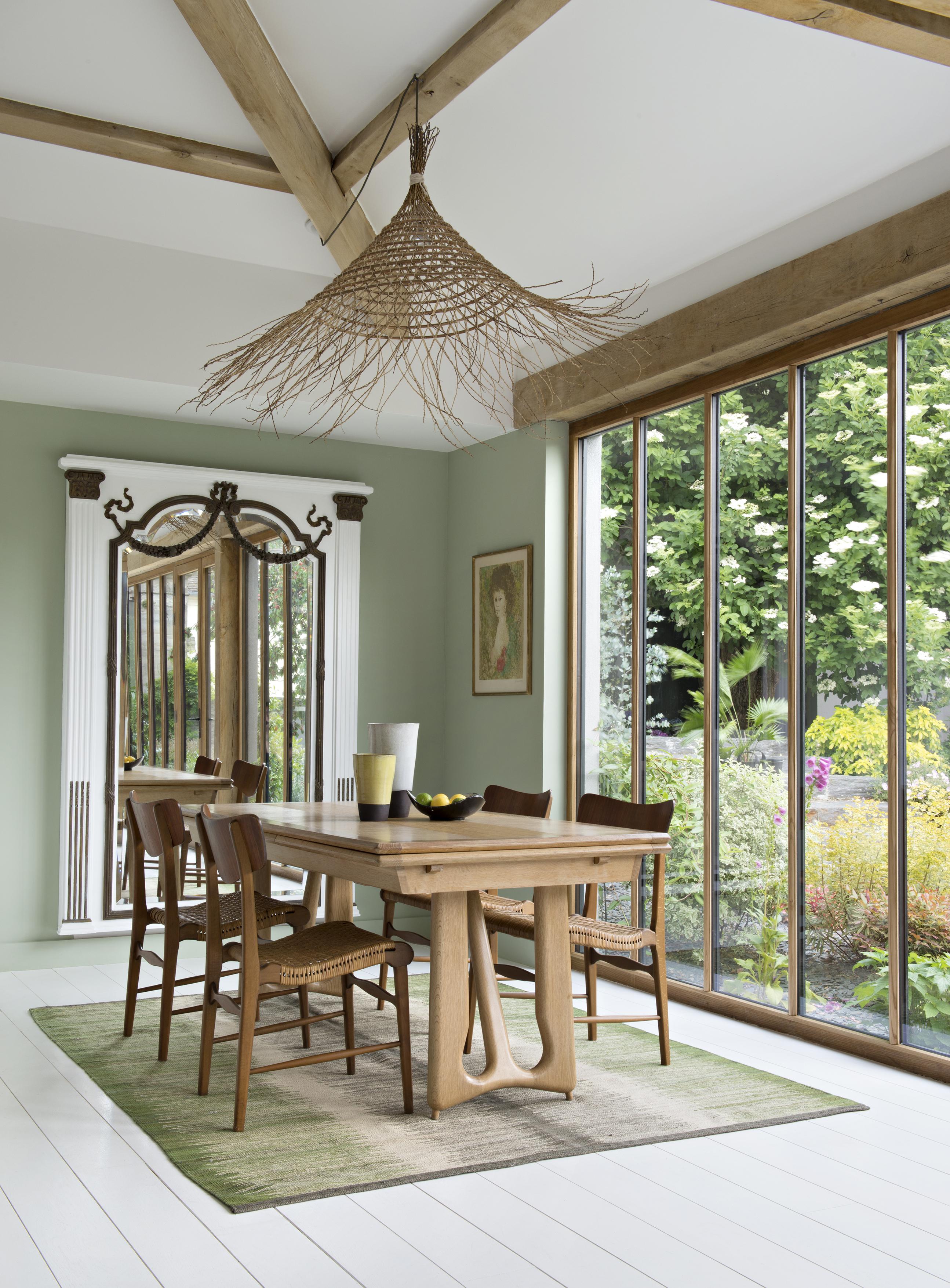 La salle à manger et verrière bois