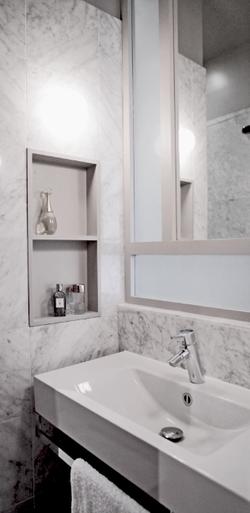 Salle de bain en marbre de carrare