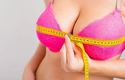 augmentation-mammaire-les-techniques-pou