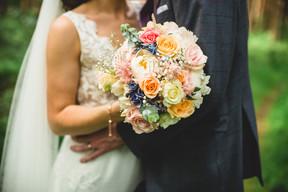 healey-barn-wedding-eco bouquet