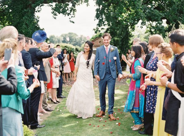 this-vibrant-multicultural-wedding-at-micklefield-hall-had-3-beautiful-ceremonies-23-600x442
