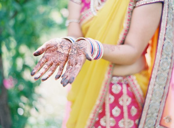 this-vibrant-multicultural-wedding-at-micklefield-hall-had-3-beautiful-ceremonies-14-600x442