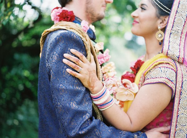 this-vibrant-multicultural-wedding-at-micklefield-hall-had-3-beautiful-ceremonies-10-600x442