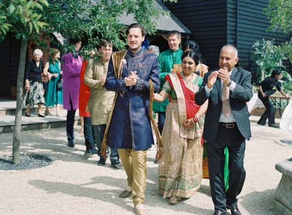 this-vibrant-multicultural-wedding-at-micklefield-hall-had-3-beautiful-ceremonies-34-600x442