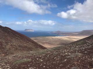 Volcan en face de la plage Fancesa.