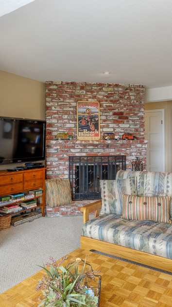 2nd floor den and family room