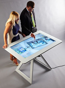 Bespoke stand for interactive screens in action - 02.jpg