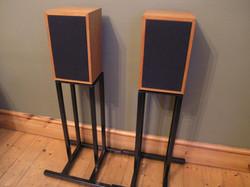 LINN KAN Speaker Stands - 01.jpg
