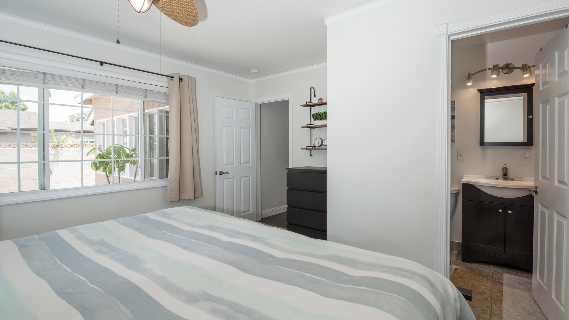 13 Master Bedroom 2.jpg