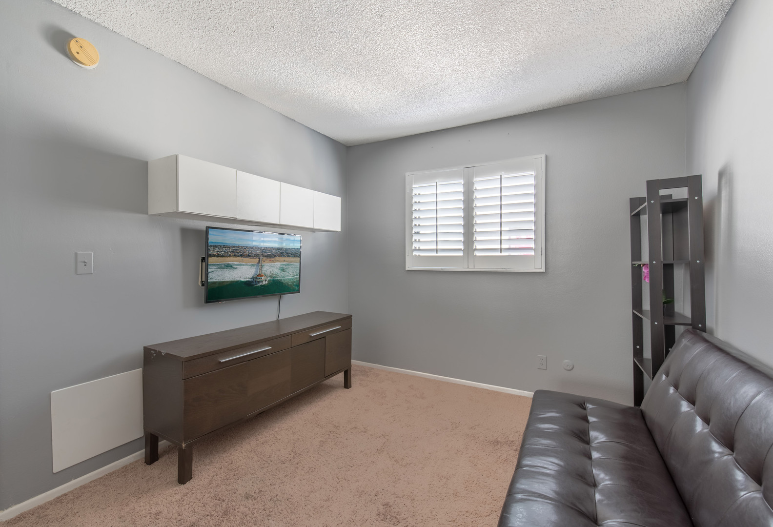 14 Bedroom 2-2.jpg