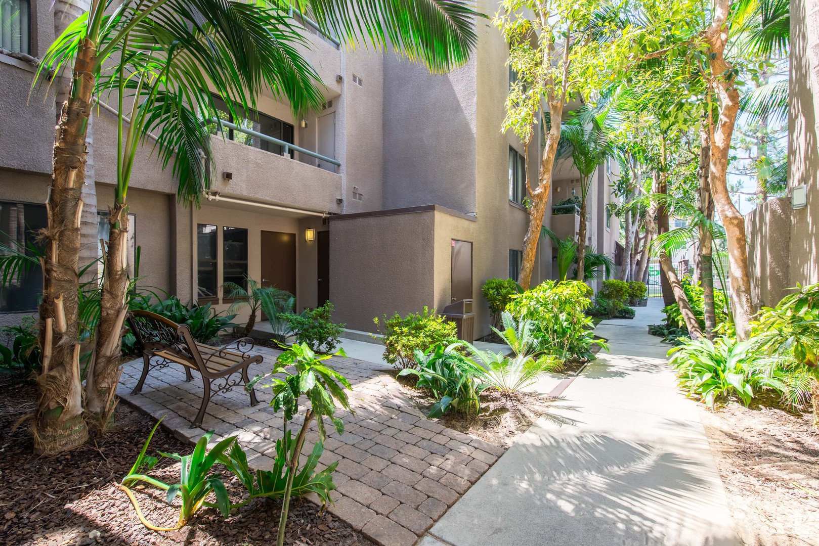 20 Courtyard.jpg