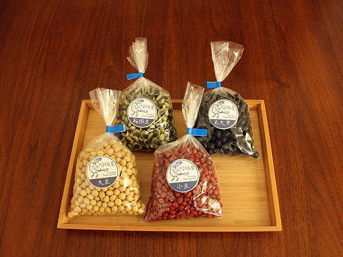 豆4種セット 黒豆、大豆、小豆、鞍掛豆