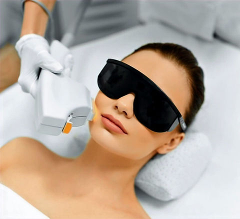 Laser-Treatment-To-Treat-Large-Pores_edited_edited.jpg
