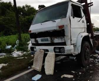 Ônibus da Cristurismo choca-se com caminhão no Pirinã