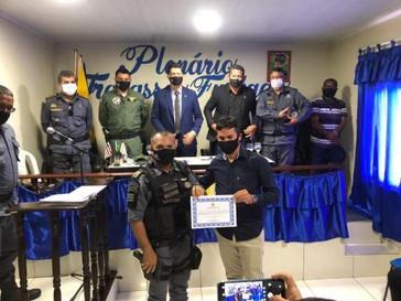 Anaelson Diniz Ferreira recebe o título de cidadão mirinzalense
