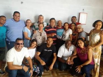 Comitiva de Guimarães vai a Alcântara cumprimentar Padre William pela vitória