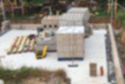 Système basse-énergie et passifde construction HEMPRO d'ISOHEMP, Poteaux-poutre béton avec remplissage de blocs de chanvre. Mise en route OTRA sprl : www.otra-construct.com