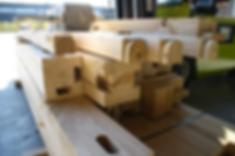 Structure chêne pour construction en poteaux-poutres avec remplissage en blocs de chanvre