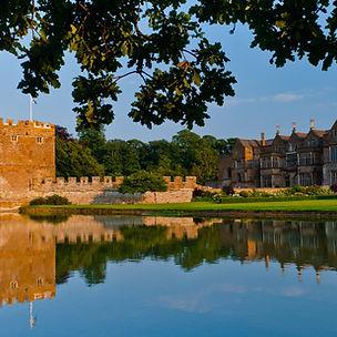 Broughton Castle.jpg