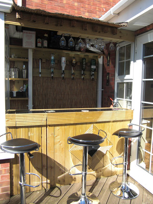 Outdoor thatched bar.JPG