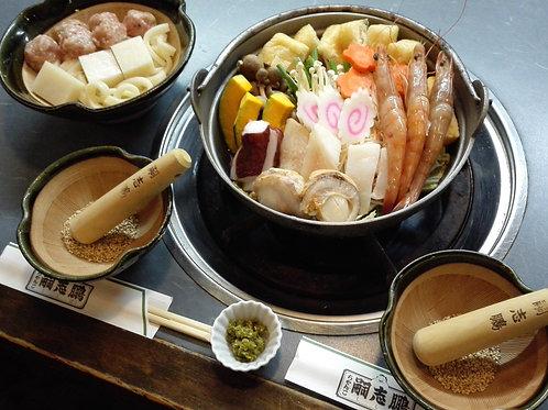 シーフードちゃんこ(団子セット付)4人前