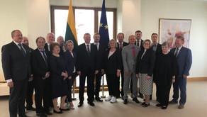Pasirašyta Nacionalinė kolektyvinė sutartis tarp Vyriausybės ir profesinių sąjungų.