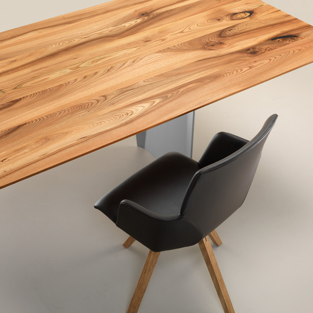 3 Tisch Onda Girsberger.jpg