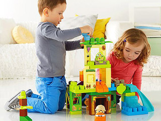Como os brinquedos, jogos e atividades lúdicas contribuem para o desenvolvimento dos bebês e criança