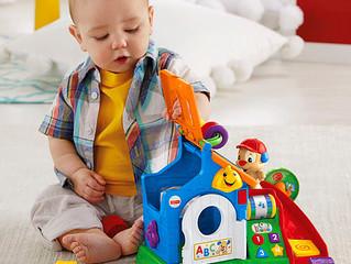 Guia de brinquedos e brincadeiras por idade - nono mês.
