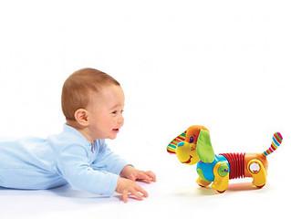 O desenvolvimento do bebê no nono mês de vida.