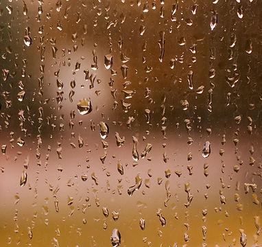 Kapky deště na okna