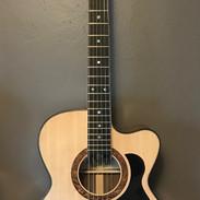 Lindsay Guitars Venetian cutaway OM