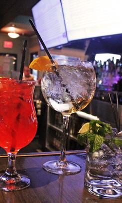 3-drinks-on-bar-ice-house-02.jpg