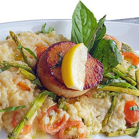 gigantic-scallop-contest-winner-at-fathoms-bar-and-grille-02-1-1.jpg